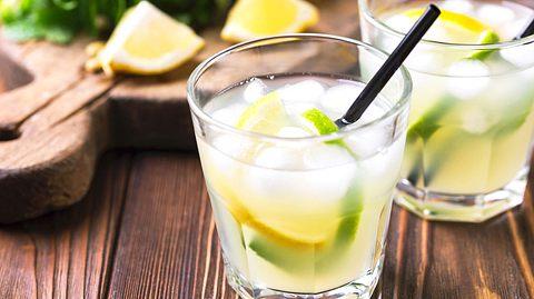 Erfrischender Cocktail: Limonello Spritz