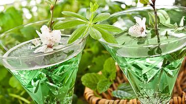 Maibowle: Das Rezept mit und ohne Alkohol