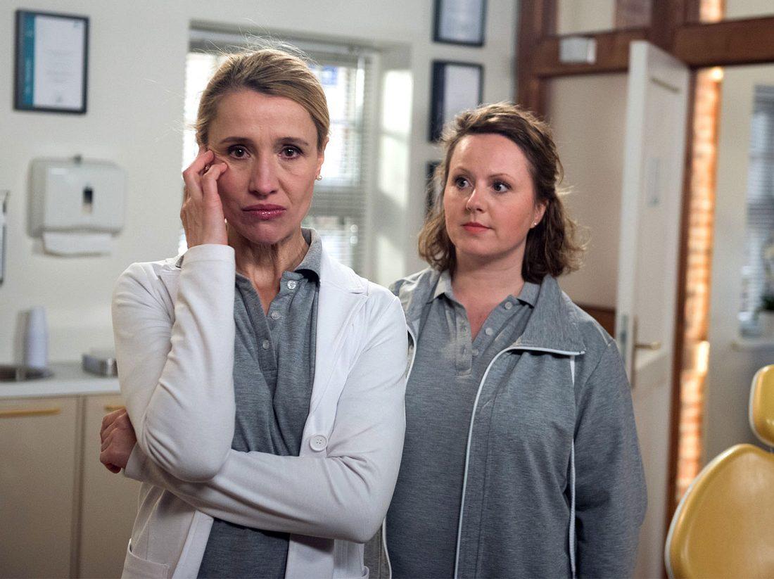 Margret erzählt Agnes, dass Elisabeth ihre große Liebe war.