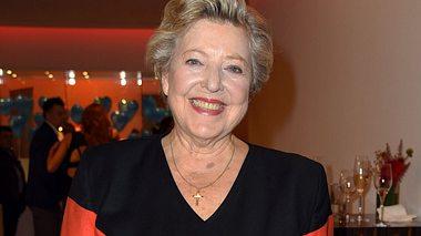 Marie-Luise Marjan spielt von Beginn an in der Lindenstraße mit. - Foto: Tristar Media / Getty Images