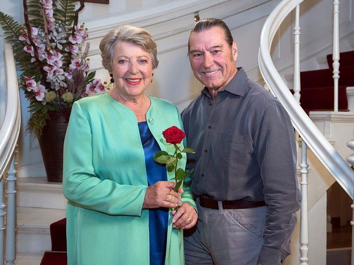 Marie-Luise Marjan und Gunter Ziegler bei 'Rote Rosen'