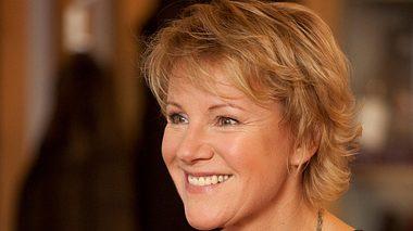 Mariele Millowitsch bezeichnet sich selbst als rheinische Frohnatur.  - Foto:  ZDF/Thomas Kost