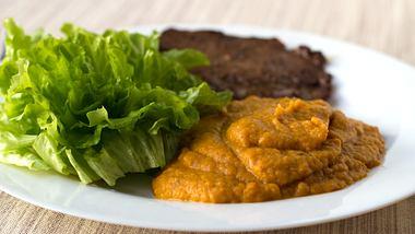 Maronenpüree, eine köstliche und gesunde Beilage - Foto: KaarinaS / iStock
