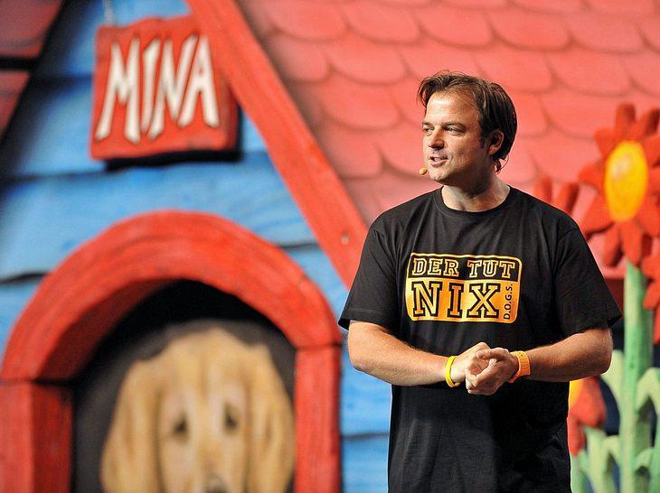 Martin Rütter bei einer seiner Live-Shows des Programms 'Hund-Deutsch / Deutsch-Hund' im Jahr 2011.