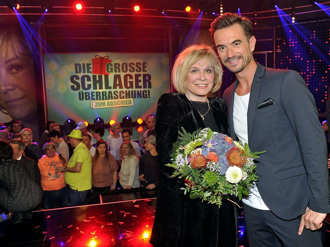 Florian Silbereisen hat Sängerin Mary Roos mit einer großen Überraschungsshow verabschiedet.