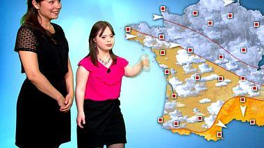 Mélanie leidet am Downsyndrom und führte durch das Wetter beim Sender France 2.  - Foto: Screenshot France 2