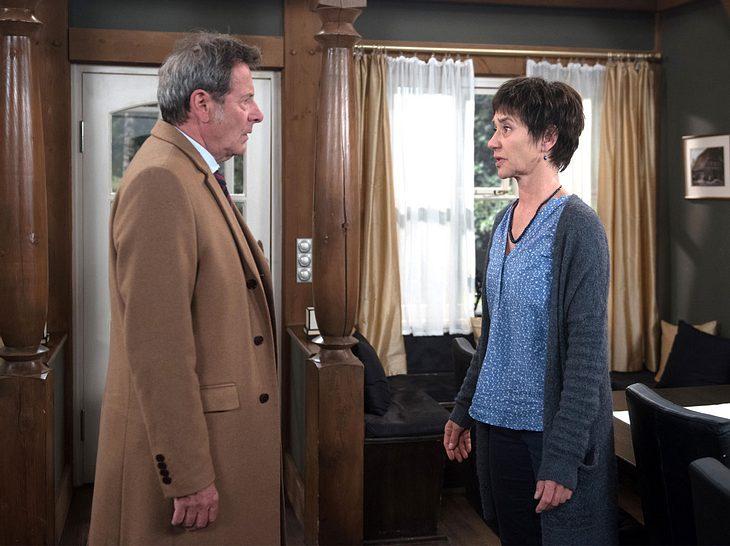 Merle erzählt Gunter von ihrer vorzeitigen Abreise