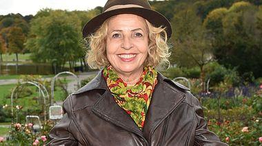 Michaela May: Meine Mama zeigt mir, wie toll das Altern ist! - Foto: Hannes Magerstaedt / iStock