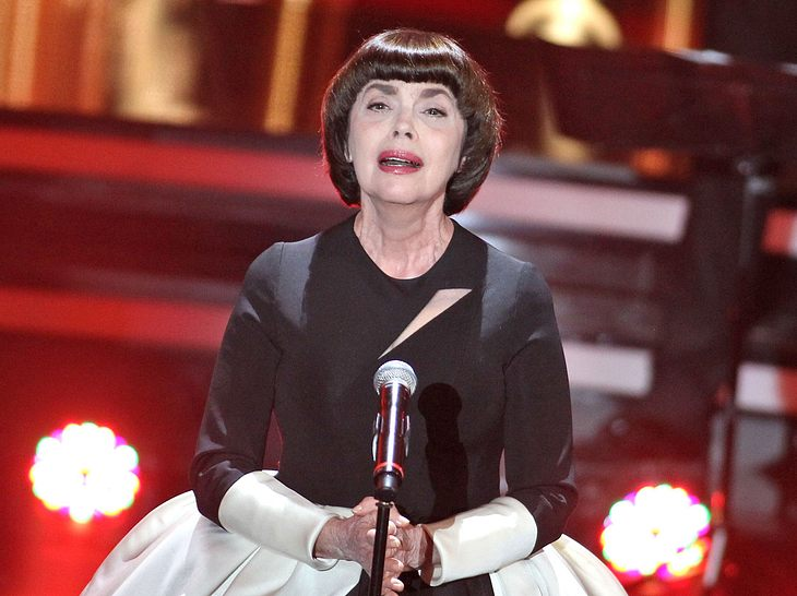 Sängerin Mireille Mathieu sprach über den schweren Verlust ihrer Mutter.