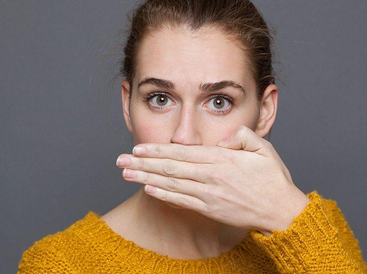 Mundgeruch: Welche Hausmittel helfen?