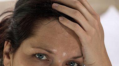 Das kann hinter nächtlichen Schweißausbrüchen stecken.  - Foto: andyBoxImages / iStock