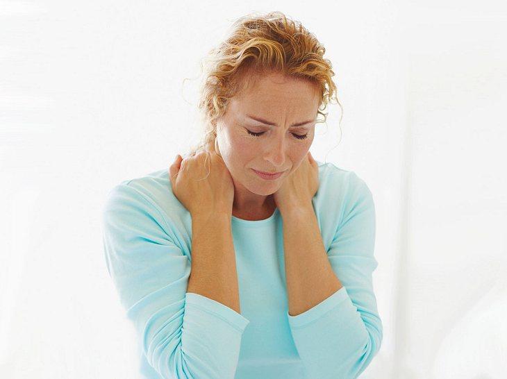 So können Sie Nackenverspannungen entgegenwirken.