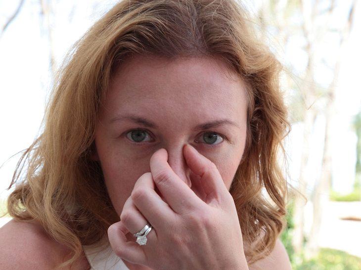 Eine Nasennebenhöhlenentzündung ist schmerzhaft