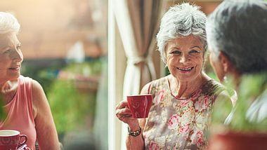 Neue Freunde finden: 5 Tipps - Foto: PeopleImages / iStock