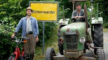 Neues aus Büttenwarder-Darsteller Peter Heinrich Brix und Jan Fedder. - Foto: NDR / Sandra Höver