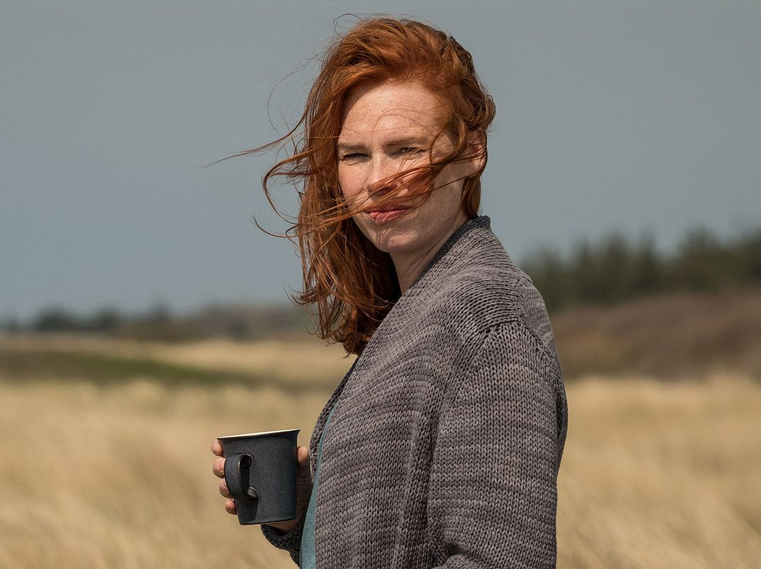 Henny Reents als Lona Vogt in der Serie 'Nord bei Nordwest'.