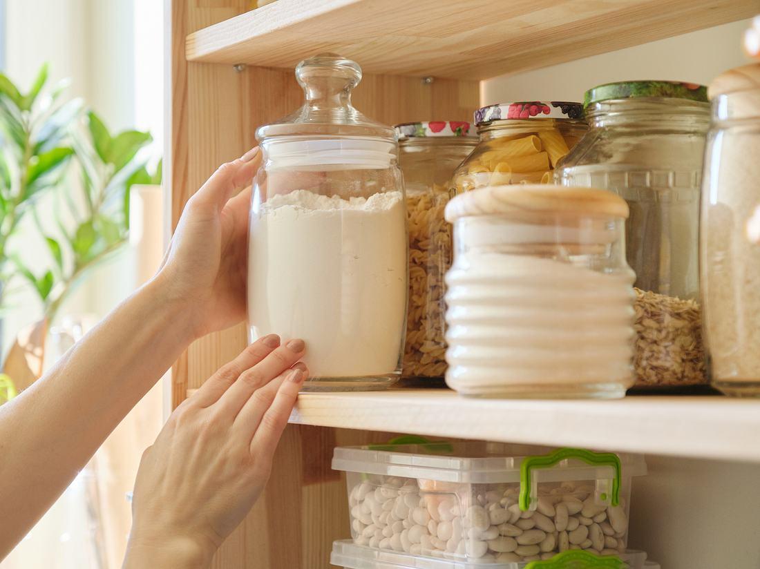 Ein Notvorrat an Lebensmitteln ist zu empfehlen.