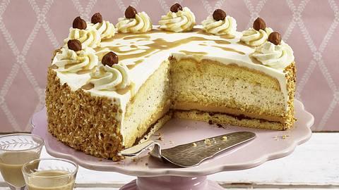 Nuss-Sahne-Torte mit Kaffeelikör.  - Foto: House of Food