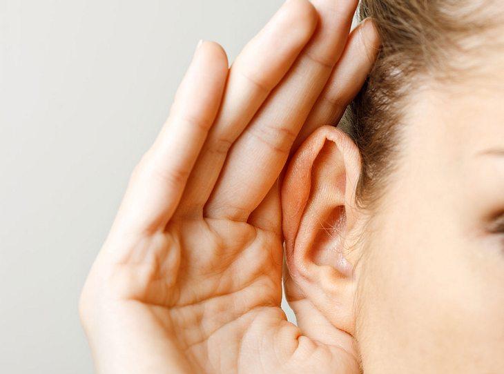 Achten Sie auf die Gesundheit Ihrer Ohren.