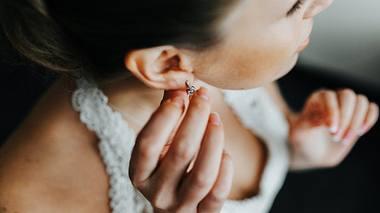 Die schönsten Ohrstecker in Silber für jeden Tag - Foto: teksomolika/istock