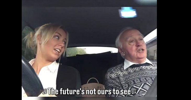 Opa singt seine Lieblingslieder