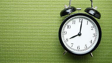 Endlich durchschlafen mit der Organ-Uhr - Foto: Tatomm / iStock