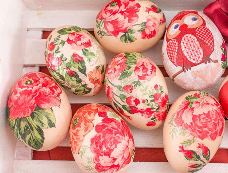 Ostereier färben mit Seidentüchern