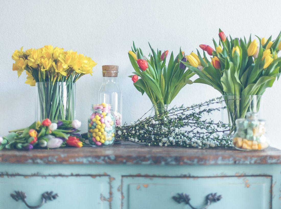Narzissen und Tulpen für den Ostertstrauß.