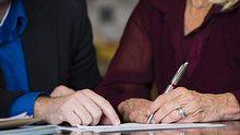 Patchwork-Familie: Das müssen Sie beim Vererben beachten - Foto: RichLegg/ iStock