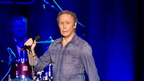 Peter Kraus während eines Auftritts in Berlin. - Foto: Frank Hoensch / Redferns