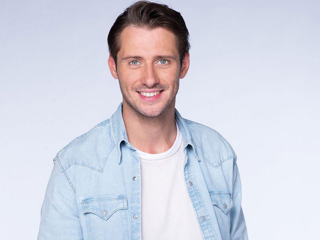 Philipp Oliver Baumgarten spielt Alexander Maiwald bei Rote Rosen.