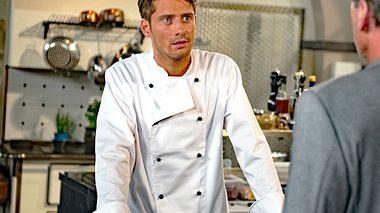 Philipp Oliver Baumgarten als Alexander bei Rote Rosen. - Foto: ARD / Nicole Manthey