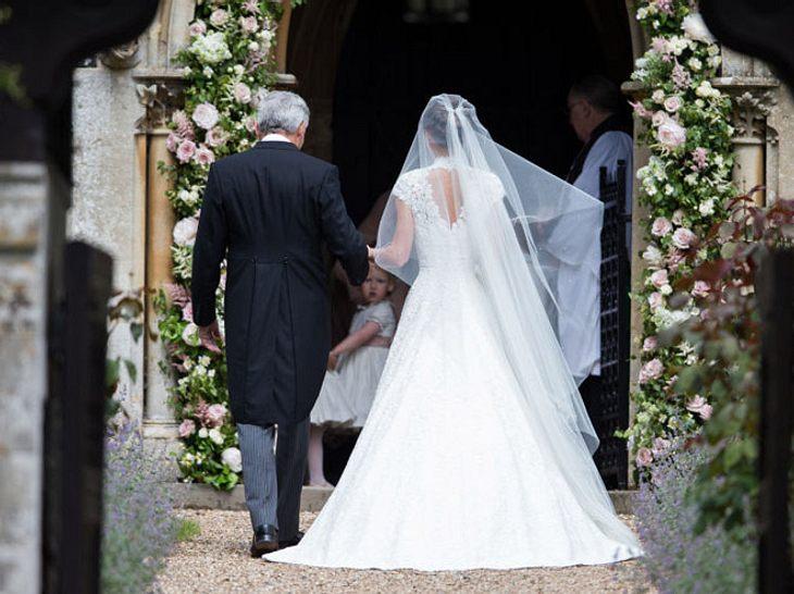 Pippa Middleton auf dem Weg in die Kirche.