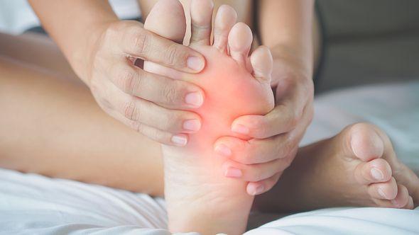 Polyneuropathie Symptome - Foto: spukkato / iStock