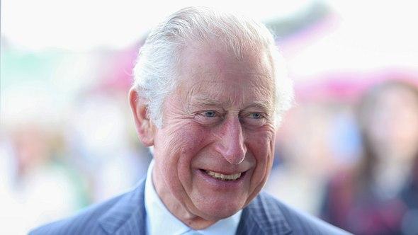 Prinz Charles im Jahre 2019 in Nordirland.  - Foto: Getty Images / Pool/Samir Hussein/ WireImage