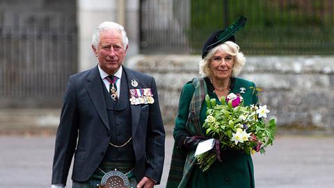 Prinz Charles und Herzogin Camilla in Schottland im Mai 2020. - Foto:  AMY MUIR/GettyImages