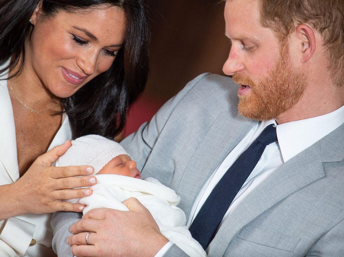 Prinz Harry und Herzogin Meghan mit ihrem Sohn Archie.