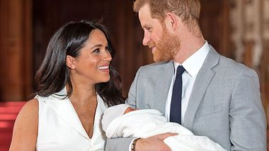 Wird Archie, Sohn von Herzogin Meghan und Prinz Harry, doch noch ein Prinz? - Foto: Dominic Lipinski - WPA Pool/Getty Images