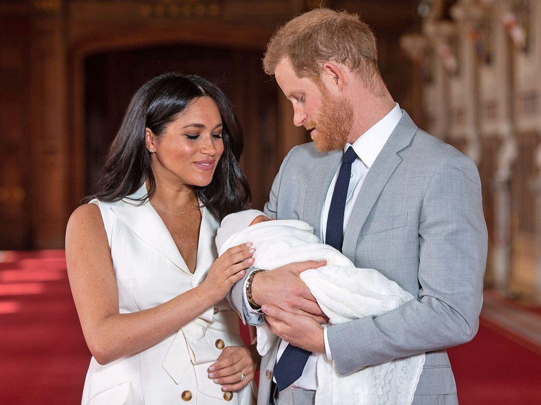 Prinz Harry und Herzogin Meghan haben den Namen ihres Babys verraten.