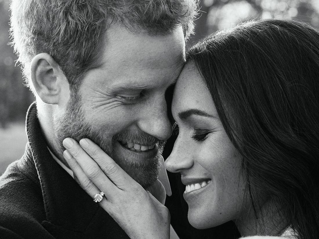 Prinz Harry mit seiner Verlobten Meghan Markle