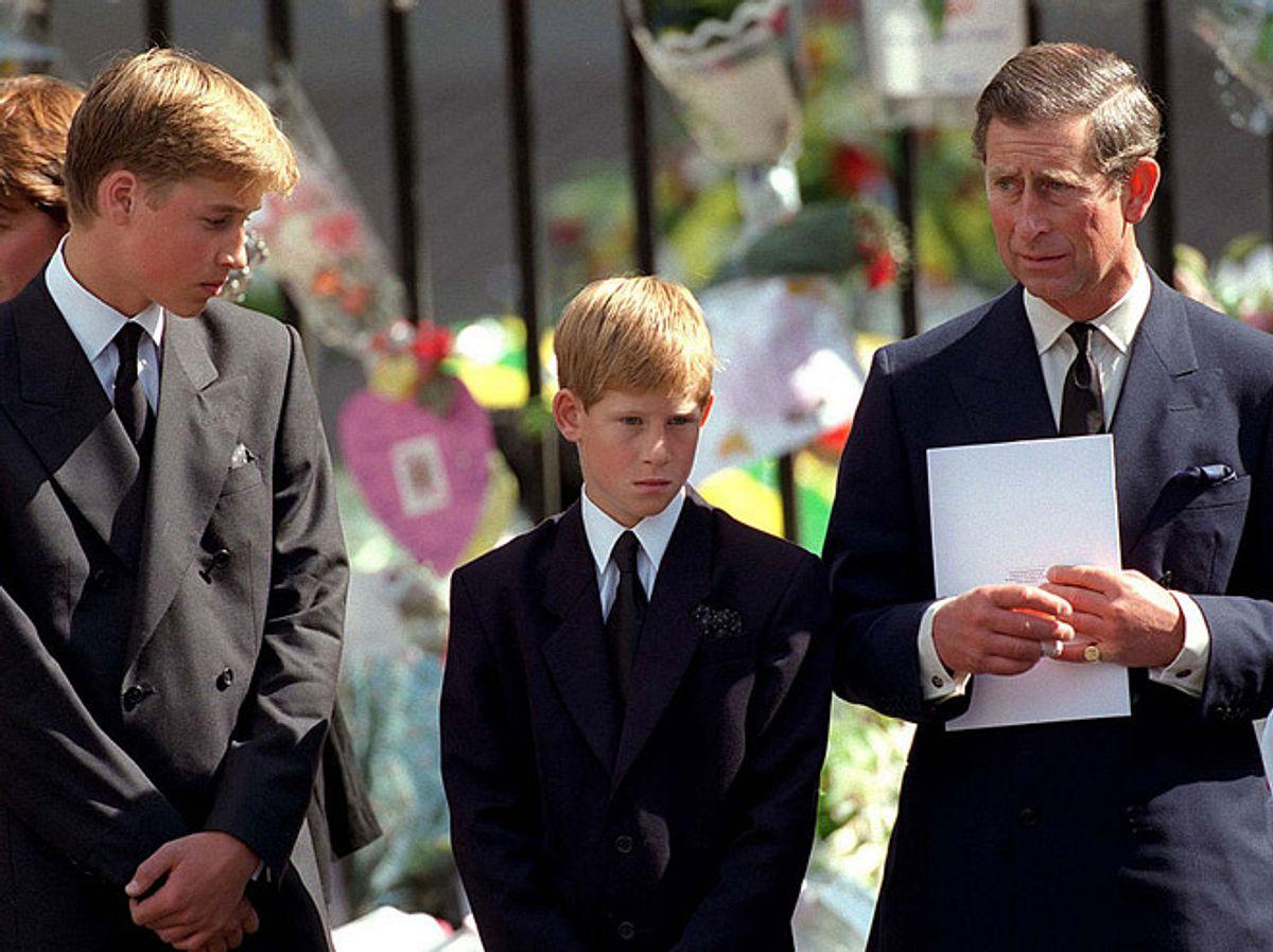 Queen Elizabeth: So kümmerte sie sich um ihre trauernden Enkel