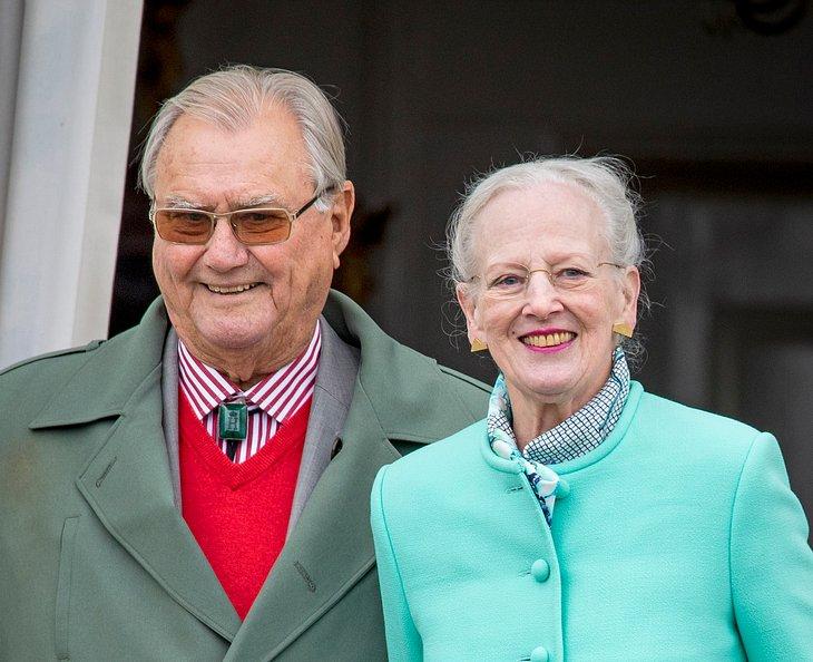 Prinz Henrik von Dänemark mit seiner Frau Königin Margrethe
