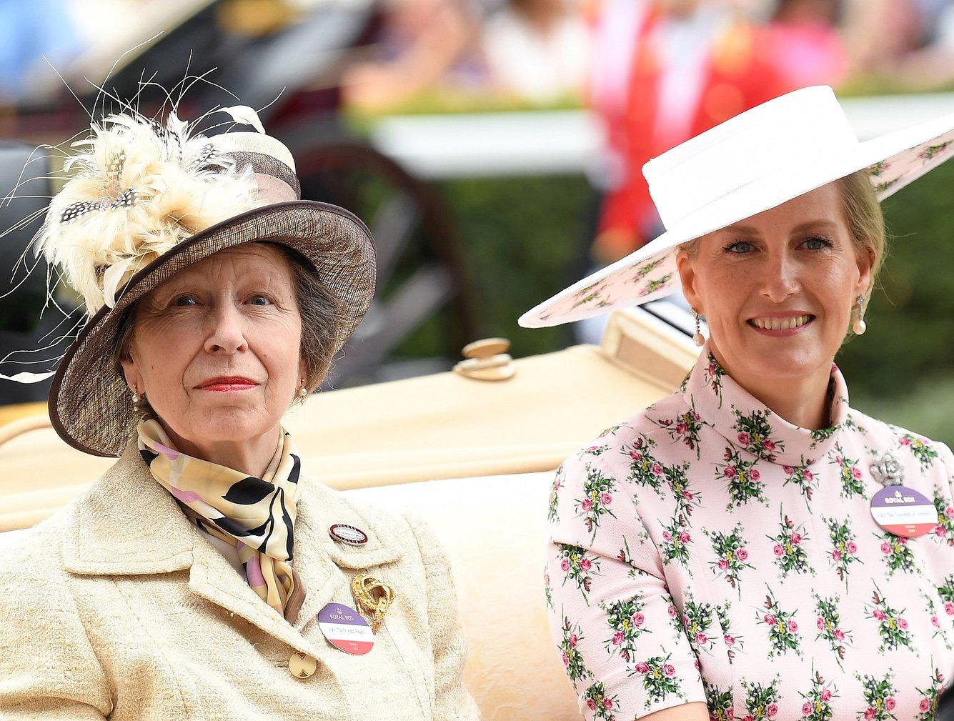 Prinzessin Anne und ihre Schwägerin Sophie, Herzogin von Wessex.
