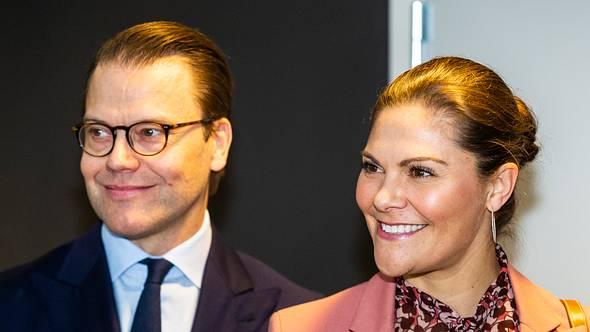 Prinzessin Victoria und ihr Mann Prinz Daniel bei einer Veranstaltung in Stockholm 2020.  - Foto: GettyImages/ Michael Campanella