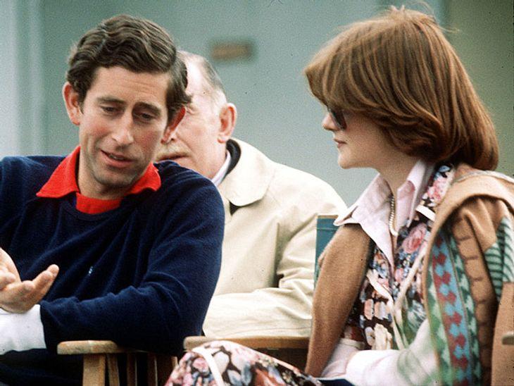 Prinz Charles datete erst Lady Dis Schwester Sarah.