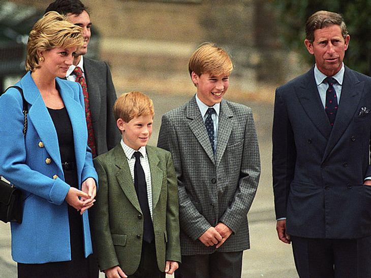 Diana mit ihren Kindern Harry und William und Gatte Charles im Jahr 1995.