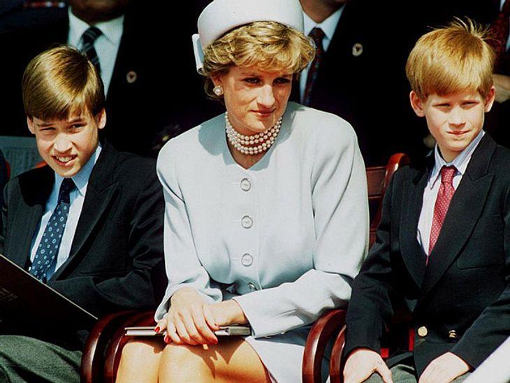 Prinzessin Diana mit ihren Söhnen William und Harry.