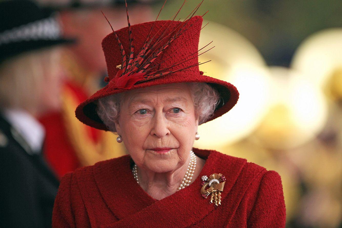 Queen Elizabeth II., voller Trauer, im Jahr 2010.