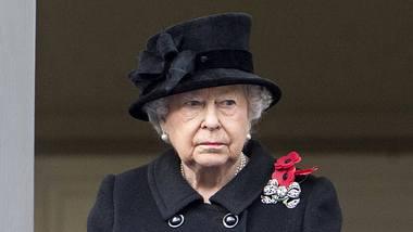 Queen Elizabeth II. trauert. - Foto: IMAGO / i Images