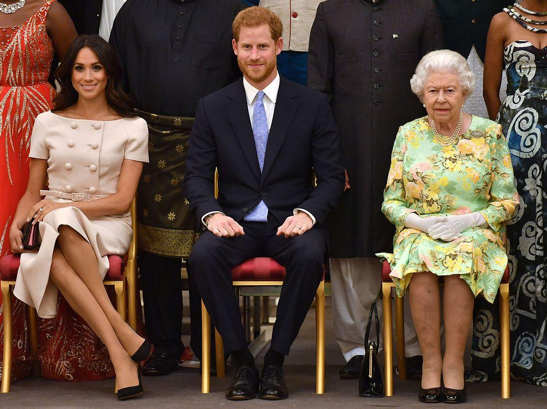 Die Queen hat eine Entscheidung getroffen und das Schicksal des jungen Paares besiegelt.